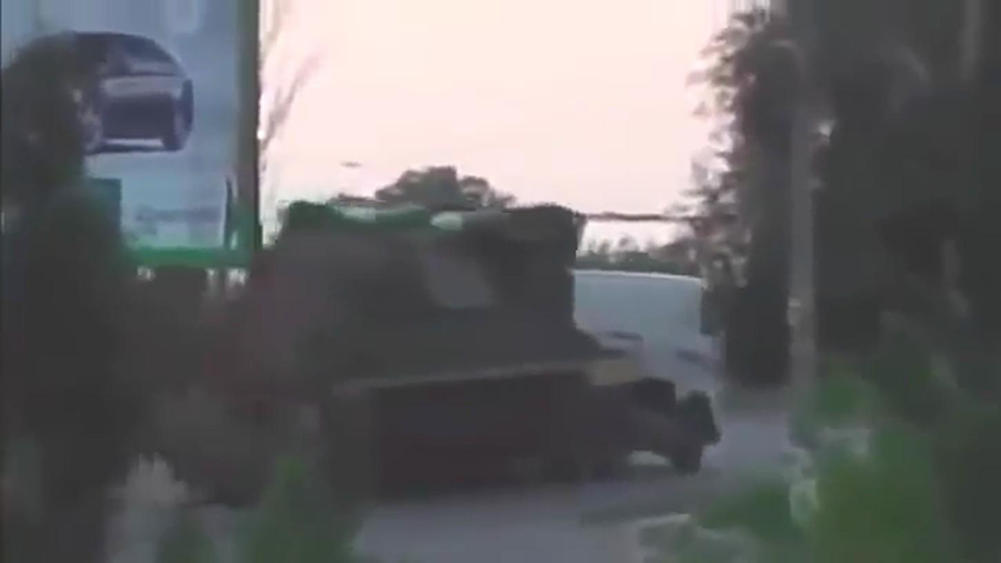 БУК №3`2 отправился обратно в Россию через Луганск