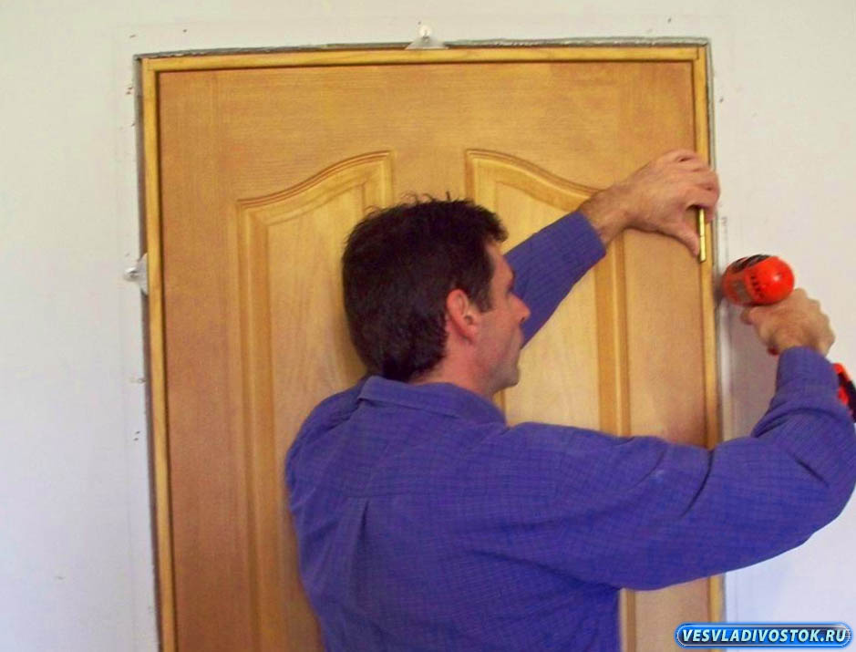 Вставить дверь своими руками