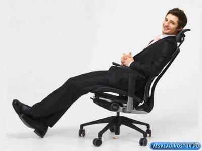 Выбираем практичное и эргономичное офисное кресло