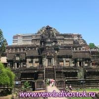 В Камбоджи древнейший храм Бапхуона начал новую жизнь