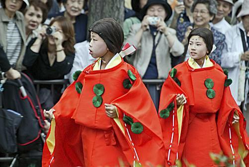 Фестиваль мальвы пройдет в японском Киото