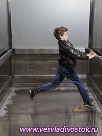 Лифт «без пола» появился в торговом центре Лондона