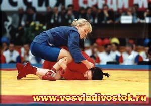 Во Владивостоке проходит Всероссийский турнир по вольной борьбе и самбо среди женщин
