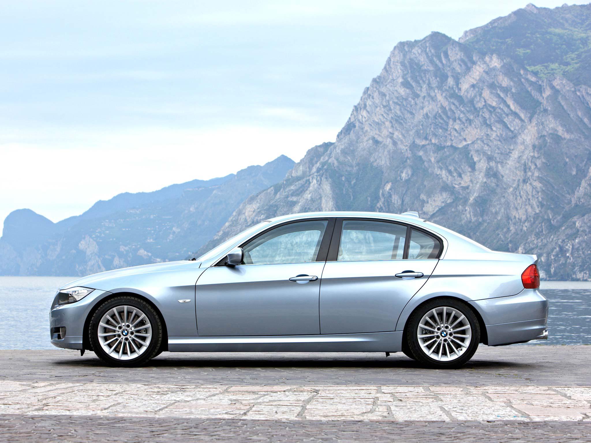 BMW 3 Series Любителям полноприводных трёшек BMW предлагает