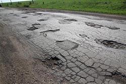 В Саратовской области на ремонт дорог выделят около 14 миллионов рублей