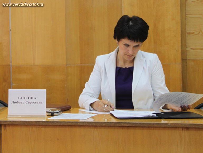 Впервые за много лет 2006-й финансовый год администрация района завершила с профицитом.