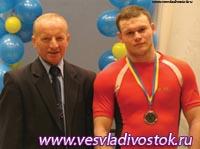 Двое бердянских штангистов-юношей завоевали путевки на чемпионат Европы