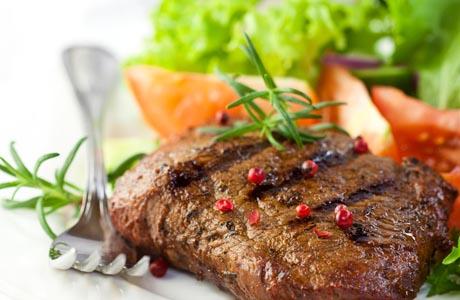 Белковые диеты повышают риск инсультов и инфарктов — ученые