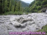В среднем на метр поднялись реки на юге Хакасии из-за дождей